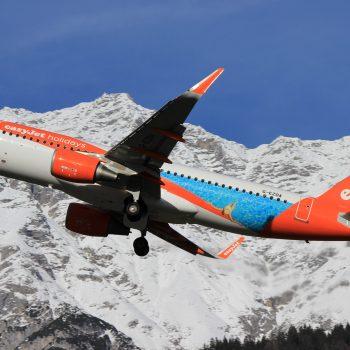 easyJet Airbus A320-214 G-EZOA (easyJet Holidays Livery)